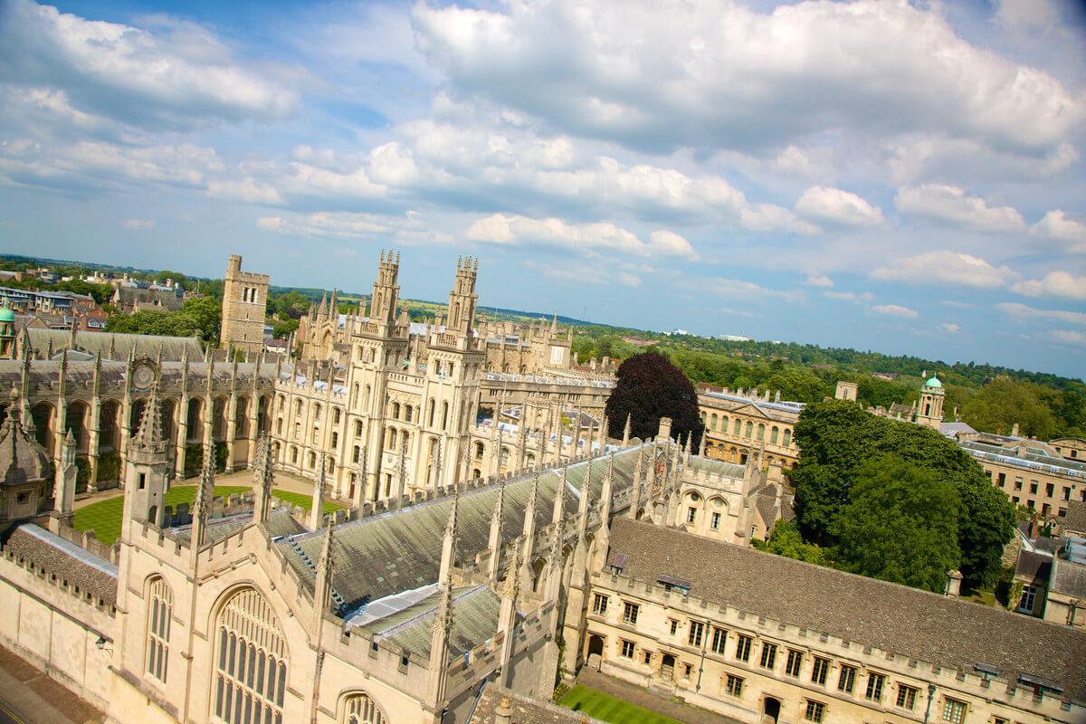 All Souls College, Oxford. Kings Education - angličtina pro děti i dospělé. MSM Academy