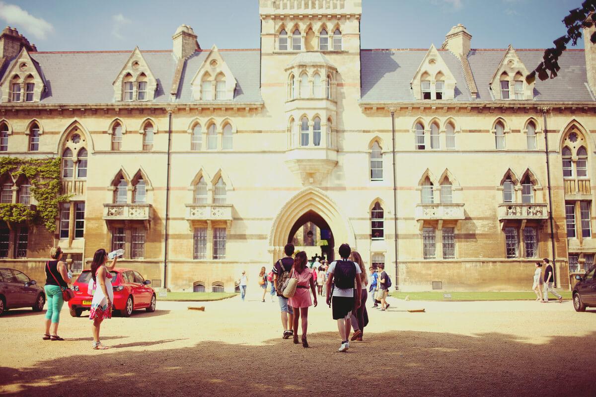 Oxford. Kings Education - angličtina pro děti i dospělé. MSM Academy