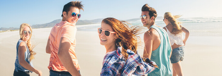 "Studenti na pláži. ""Enforex"" Barcelona. MSM Academy"